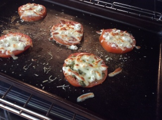 baked parmesan and peesto tomatoes