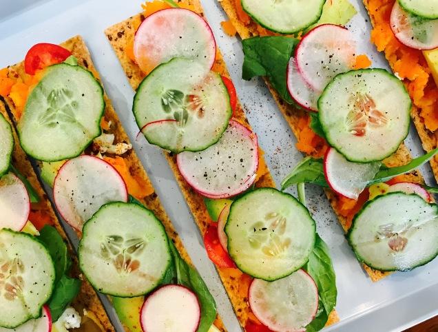 veggie-crackers-top-view