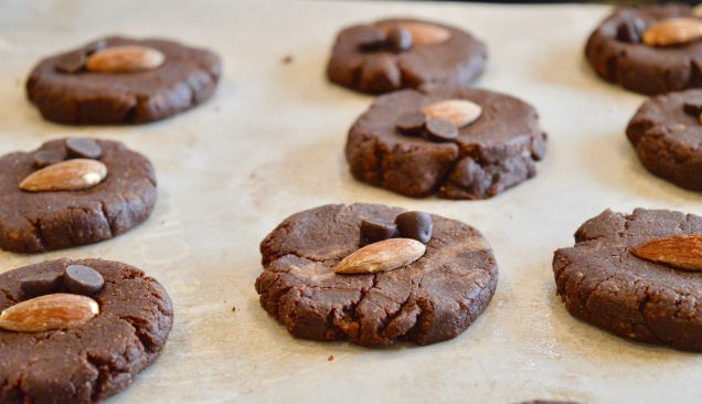 Prebaked chocolate almond cookies